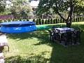 Bazén a sedenie v záhrade